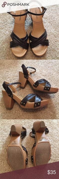 Brown block heel sandals I don't think I've ever worn these even though they're so cute! In excellent condition and great for the summer! Shoes Sandals