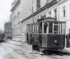 FOTO: Hromadná doprava v hlavnom meste cez historický objektív Bratislava, Old Pictures, Nostalgia, Street View, Europe, Retro, Life, Vehicles, Pictures
