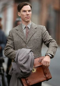 Benedict Cumberbatch added to list of presenters at the Screen Actor's Guild Award on...  COOL BAG!!!!