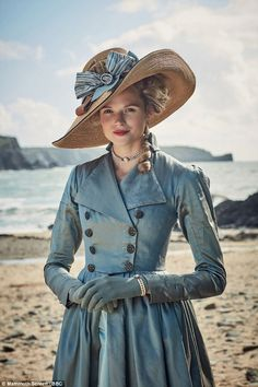 Poldark's Gabriella Wilde holds on tight to her wicker bonnet Gabriella Wilde, Period Costumes, Movie Costumes, Character Costumes, Historical Costume, Historical Clothing, Poldark Season 3, Fiona Costume, Victorian Fashion