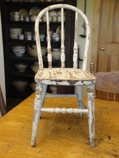 Genial Vintage Painted Wood Childu0027s Chair