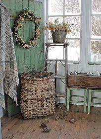 vintage loveliness from vibeke design Shabby Chic Homes, Shabby Chic Decor, Vintage Decor, Rustic Decor, Deco Champetre, Vibeke Design, Deco Retro, Cool Ideas, Farmhouse Chic