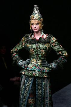 """Russian designer, Slava Zeitsev, Russian Fashion Week 2009. He was called """"Red Dior"""" by the french press."""