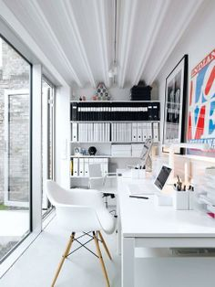 Home Office Inspiration in a New Home From Dwell. Photo by Mark Seelen. (Just more color but I love the big wall windows & space) The post Home Office Inspiration in a New Home appeared first on Design Ideas. Suppose Design Office, Home Office Design, Home Office Decor, House Design, Home Decor, Office Ideas, Office Designs, Sunroom Office, Office Inspo