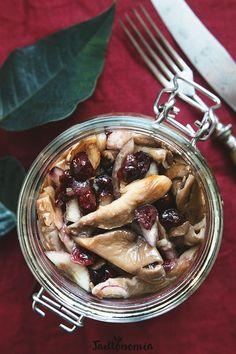 Boczniaki z żurawiną » Jadłonomia · wegańskie przepisy nie tylko dla wegan