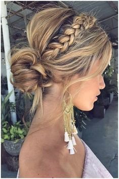 Graceful Wedding Updos With Braids ? See more:   #StylishBraidStyles #StylishBraid click now to see more...