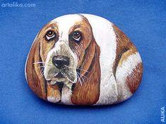 Hand painted rocks: dogs:Basset Hound