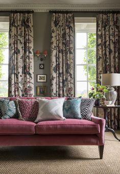 British Home, Elegant Living Room, Traditional Bedroom, Drawing Room, Living Room Decor, Living Rooms, Curtains, Interior Design, Furniture