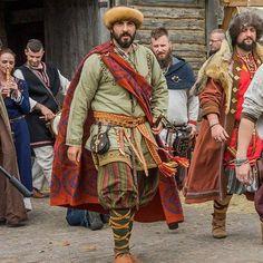 Chernigov nobleman (X-XI) - Ukranie.  The cloak appears to have Savelyeva Ekaterina's block print on it.  Very well put together garb.