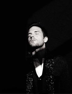 My name is Julia and Brandon Flowers smells really good. Generally trying to spread my love for The Killers. Brandon Flowers, Perfect Teeth, Charming Man, Ideal Man, Indie Music, Blooming Flowers, Most Beautiful Man, Attractive Men, How To Look Better