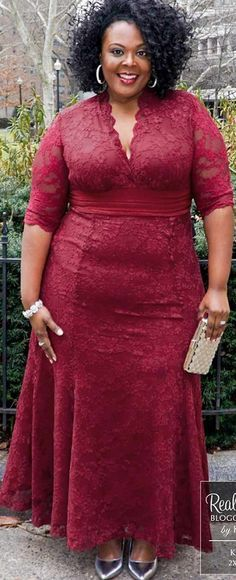 Curvalicious Clothes :: Plus Size Dresses :: Screen Siren Lace Gown - Rose Wine