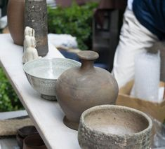 Let's start in Tokyo, besides being the most exciting and wonderful city in the world, Tokyo is a gem in regards of ceramic hunting.