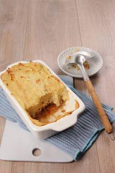 Een te gekke zuurkoolschotel uit de oven. Het lijkt een 'drukke ' combinatie, maar het is zo lekker , proef het maar. met zo`n heerlijke knapperige korst.
