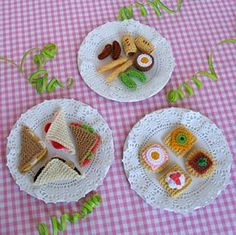 Delicious appetisers fro your tea time party designed by Jean Greenhowe. Find the free PDF pattern here: link Toys Patterns website Tea Party Treats - Appetisers Crochet Amigurumi, Crochet Food, Cute Crochet, Knitting Patterns Free, Free Knitting, Free Pattern, Crochet Patterns, Knitting Toys, Knitted Dolls