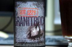 Cerveja Hofstettner Granitbock Ice, estilo Eisbock, produzida por Brauerei Hofstetten - Krammer, Áustria. 11.5% ABV de álcool.