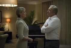 Robin Wright Threatened to Go Public If She Didn't Get Equal Pay on 'House of Cards' - Hollywood Reporter Robin Wright, Frank Underwood, Kevin Spacey, House Of Cards Season 5, House Of Cards Netflix, Putin Trump, Hollywood, Tv Guide, The Smoke