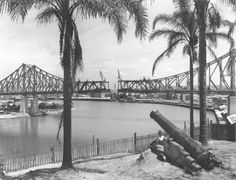 @slqld shares hundreds of images of construction of the Brisbane's iconic Story Bridge. http://ow.ly/OjdE2?utm_content=buffera940d&utm_medium=social&utm_source=pinterest.com&utm_campaign=buffer