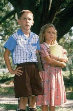 Michael Conner Humphreys (Forrest Gump) and Hanna Hall (Jenny Curran) - Forrest Gump directed by Robert Zemeckis (1994) Novel by Winston Groom