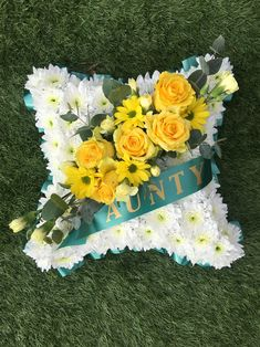 Luxury Flowers, Tulips, Floral Wreath, Wreaths, Home Decor, Flower Crowns, Door Wreaths, Tulip, Deco Mesh Wreaths