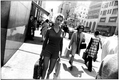 Black and White Street Photography by Garry Winogrand #inspiration #photography