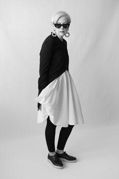 Minimalist black + white Lyn Slater
