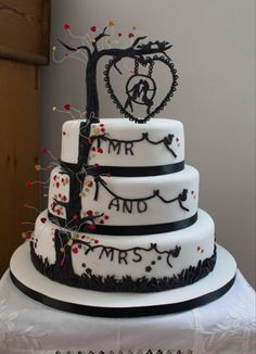 Rob Ryan inspired wedding cake by Catherine - http://cakesdecor.com/cakes/287451-rob-ryan-inspired-wedding-cake