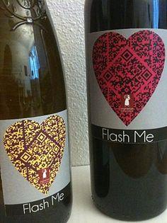 """A l'occasion de la Saint-Valentin, Tagdevin a réalisé ces étiquettes customisées """"QR Coeur"""" pour une cuvée spéciale du Domaine des Gaumonts, """"Flash Me"""", vinifiée par Sébastien Rahard, propriétaire du domaine."""