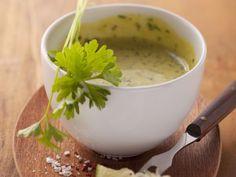 Öl-Knoblauch-Creme aus der Provence ist ein Rezept mit frischen Zutaten aus der Kategorie Dips. Probieren Sie dieses und weitere Rezepte von EAT SMARTER!