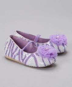 Take a look at this Purple & White Puff Flower Flat on zulily today!
