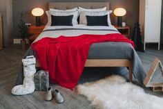 Everything you need to create a cosy Christmas bedroom from Natural Bed Company Cosy Christmas, Christmas Bedroom, Bed Company, Bedroom Decor, Warm, Create, Natural, Furniture, Home Decor