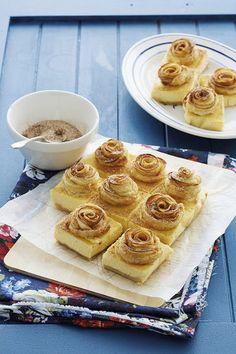 Ciastka z białej czekolady z jabłkowymi różyczkami - Przepis - Onet Gotowanie