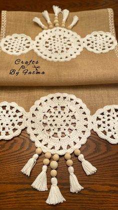 Crochet Leaf Patterns, Crochet Leaves, Crochet Doilies, Crochet Flowers, Diy Clutch, Crochet Home, Table Runners, Diy And Crafts, Mandala
