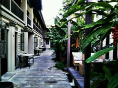 Also a hotel, Muntri Mews serves international cuisine and is open daily from 8am - 11pm. Located at 77, Muntri Street, George Town (World Heritage Site), 10200 Penang, Malaysia.