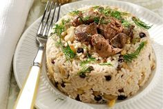 Amateur Cook Professional Eater - Greek recipes cooked again and again: Christmas rice pilaf with chestnuts and chicken livers Xmas Food, Christmas Cooking, Greek Recipes, Desert Recipes, Rice Dishes, Tasty Dishes, Greek Cooking, Risotto Recipes, Chicken Livers