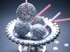 Discokugel-Cake-Pops Rezept Blackberry, Cupcakes, Lemon, Fruit, Desserts, Cakepops, Food, Diy, Gastronomia