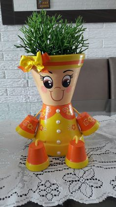 Flower Pot People, Clay Pot People, Flower Pot Art, Flower Pot Crafts, Clay Pot Projects, Clay Pot Crafts, Terracotta Flower Pots, Clay Flower Pots, Painted Clay Pots