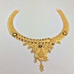 Gold Jewellery Design, Gold Jewelry, Jewelry Box, Jewelry Accessories, Fashion Necklace, Fashion Jewelry, Necklace Set, Gold Necklace, Bridal Bangles