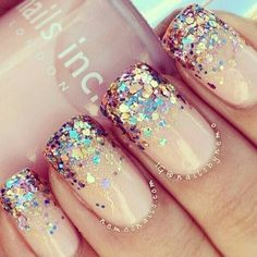 Such a pretty color and with that dazzling glitter <3