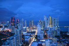 Panamá al anochecer
