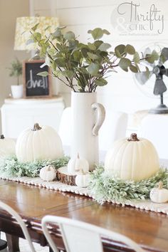 If you are looking for French Farmhouse Fall Table Design, You come to the right place. Below are the French Farmhouse Fall Table Design. Decoration Christmas, Fall Mantel Decorations, Thanksgiving Decorations, Seasonal Decor, Table Decorations, Thanksgiving Table, Vintage Thanksgiving, Christmas Tree, Holiday Decor
