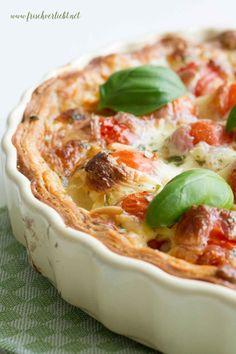 """Es ist wieder Zeit für """"Let's cook together"""", dem Bloggerprojekt von Ina vonwhatinaloves. Bei mir gibt es eine Tomaten-Mozzarella-Tarte."""