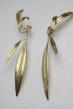 9db71efd4c7b Pendientes Hojas en bronce con baño de oro
