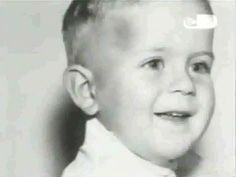 Bruce Willis childhood photo  http://celebrity-childhood-photos.tumblr.com/