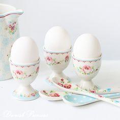 SnapWidget | Доброе утро, друзья!! Сегодня шоурум-день! С 14 до 20 часов можно приехать и посмотреть на красоты посуды #грингейт