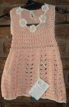 Vestidito tejido con flores tejidas (Knit dress with also knit flowers)