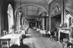 Hotel Adlon-So sah es um 1910 im Restaurant aus.