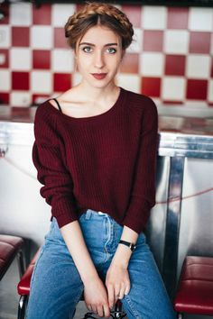 City fashion: my vision : Burgundy color and mom jeans
