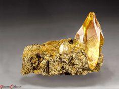 Titanite from Capelinha, Minas Gerais, Brazil