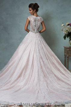 81 najlepších obrázkov z nástenky Farebné svadobné šaty  Wedding ... 24f93f6d9e3