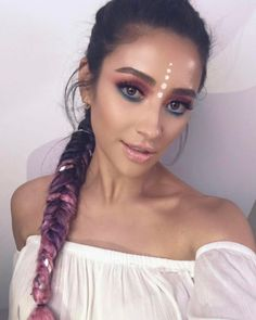 Wanted to turn into my most favorite, magical thing for this weeks #youtubeshay ... a unicorn check out my unicorn inspired Coachella makeup video up now!!! Thanks to @makeupariel !... and check back next week to get the hair tutorial